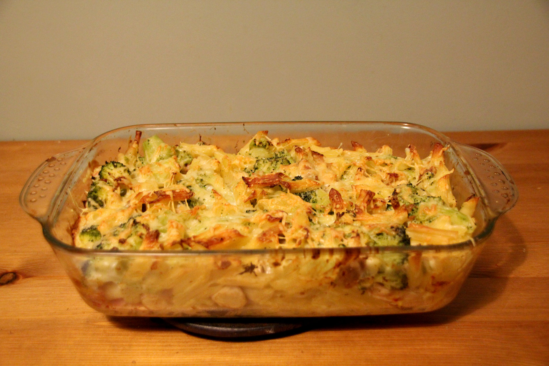 Cooked broccoli and chicken pasta bake