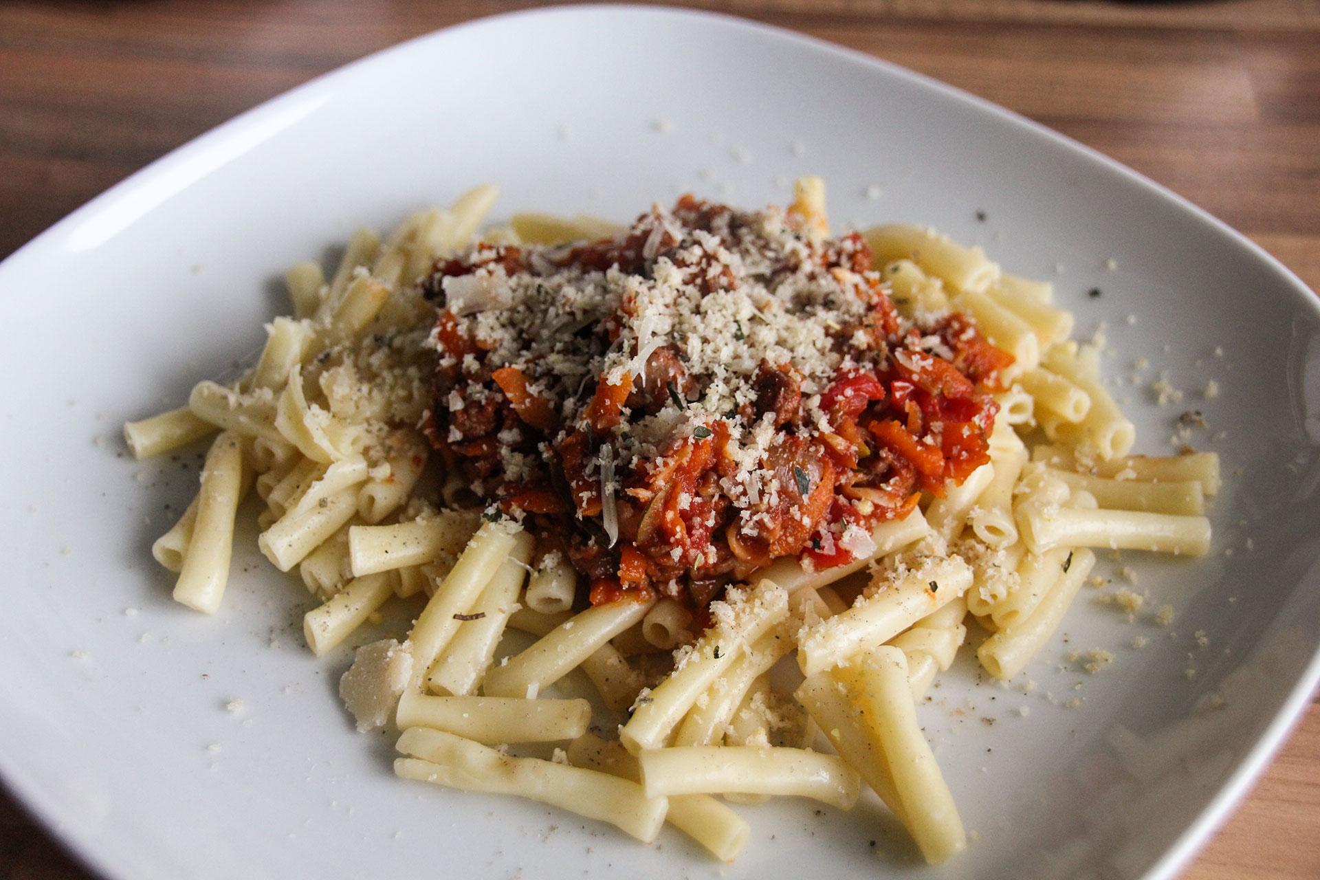 Sausage sausagebol pasta